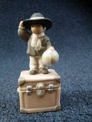 Enesco Pretty As A Picture Figurine There's Not A Continent Big Enough (a2863)