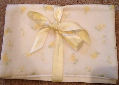 VINTAGE Satin Yellow Roses Hanky Hankie Pouch Case Keeper Holder