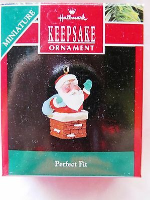 1990 Hallmark Keepsake Miniature Christmas Ornament PERFECT FIT