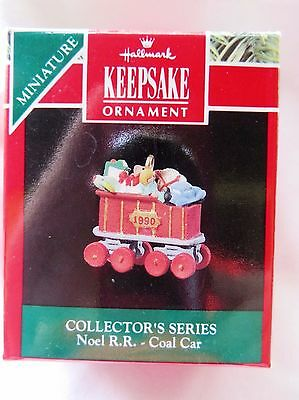 1990 Hallmark Miniature Christmas Ornament NOEL R. R. PASSENGER CAR #3 IN SERIES