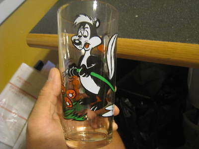 1976 Warner Bros. Pepsi Collector Series Drinking Glass DAFFY DUCK AND PEPE