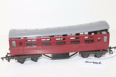 Triang early OO 1:76 R.20 L.M.S. Passenger Coach FNQHobbys SW886