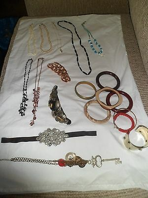 19 Items Mixed Jewellery..bangles..necklaces..bits & Pieces
