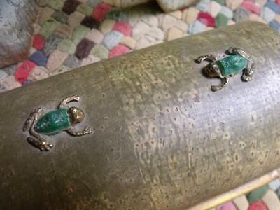 Lovely Old Primitive Vintage Wood Box With Two Brass Frogs On Lid