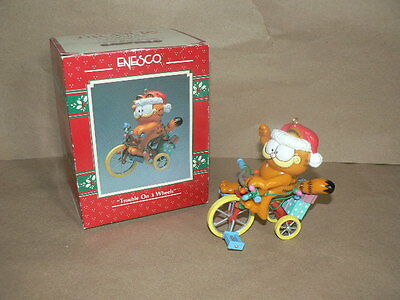 Enesco Ornament GARFIELD Trouble on 3 Wheels Christmas Ornament