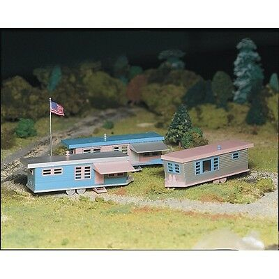 Bachmann BAC45612 O Plasticville Trailer Park Snap-Fit Model Kit with 3 Trailers
