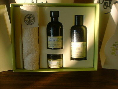 Neal's Yard Baby Organic Collection brand new boxed exp 9/19