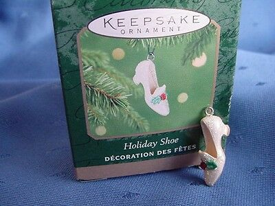 TINY HOLIDAY SHOE Hallmark MINIATURE CHRISTMAS ORNAMENT 2001 SHOES LOVER w