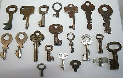 20x Antique Metal Keys Cabinet/Box Key Spares Display Locks Vintage Shabby Chic