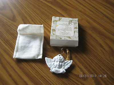 Avon 1982 Christmas Remembrance Ceramic Angel - MIB