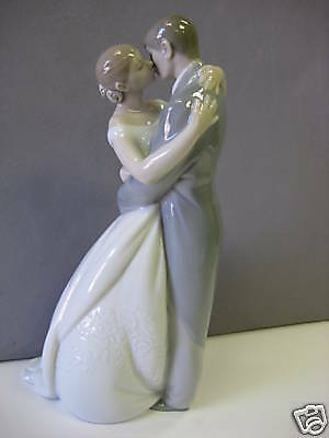 A Kiss Forever Bride And Groom Couple Porcelain Nao By Lladro   #1613