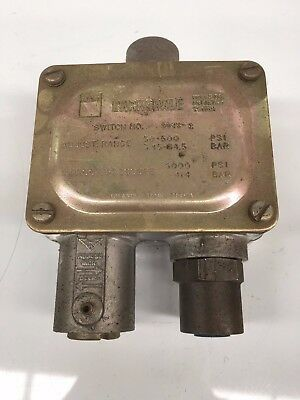 Barksdale Pressure Actuated Switch 9048-2 Industrial