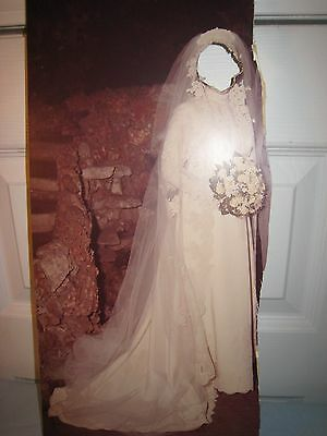 VINTAGE SATIN & LACE WEDDING DRESS & VEIL TRAIN OFF WHITE SIZE 10-12 cleaned