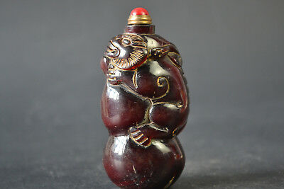Collectible Horn Carving Exquisite Old Animal on calabash Statue Snuff Bottle