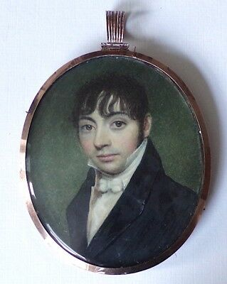 MINIATURE PORTRAIT - Regency gentleman in a gold frame with mourning hair panel