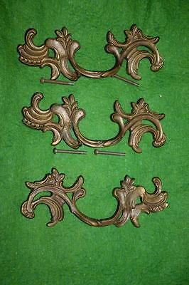 VINTAGE BRONZE or BRAZZ COUNTRY FRENCH DRAWER HANDLES PULLS x3 MATCHED LOUIS XV
