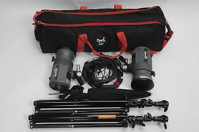 Dynalite Comet Twinkle Two F II Head Kit w/Stands, Umbrella, Case           #219