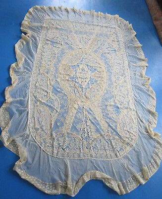 Normandy Lace Figural  w Trees Horseback  Riders Coverlet w Ruffle