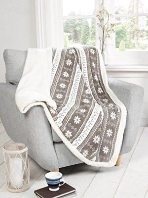 Grey and White Winter Alpine Snowflakes Fleece Blanket - 120cm x 150cm