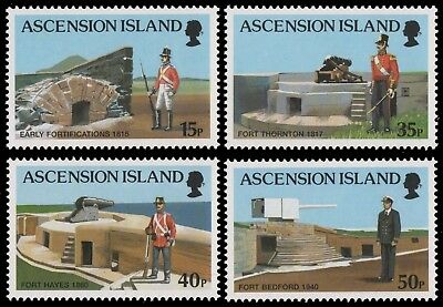 Ascension 2000 - Mi-Nr. 828-831 ** - MNH - Uniformen / Uniforms