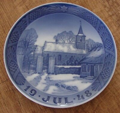 1948 Royal Copenhagen Jul Christmas Plate Nodebo Church 7 1/4""