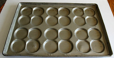 Ekco/Glaco & Chicago Metallic S-334 Coated Hamburger Bun Pans (24 buns per pan)