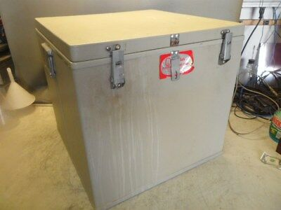 POLYFOAM PACKERS THERMOSAFE MDL 302-21x21x21 DRY ICE CHEST HANDLES- HASP 2.7CUFT