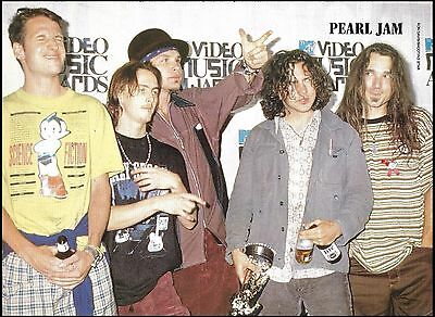 Pearl Jam Eddie Vedder 1993 MTV Music Awards 8 x 11 pinup group photo