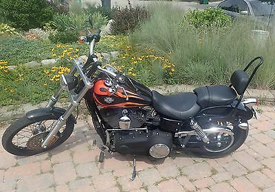 2010 Harley-Davidson Dyna  2010 Harley-Davidson Dyna Wide Glide only 2100 Km