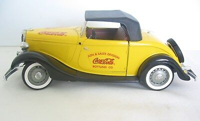 SOLIDO 1934 Ford Roadster ADV. & SALES DIVISION Coca-Cola BOTTLING CO 1:18 Scale