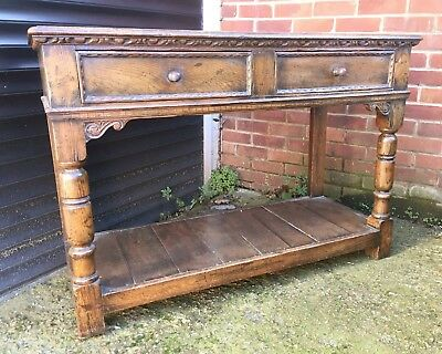 Antique Old Charm Oak sideboard with two frieze drawers - Gothic style