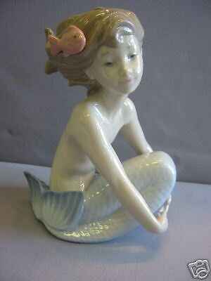 Mermaid Sitting Sea Girl Maiden With Fish Porcelain Figure Nao By Lladro   1459