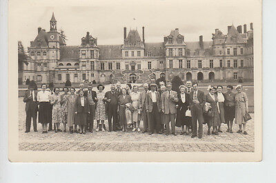Photocard showing Tourist group at Fountainbleu, France