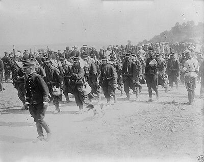 New World War I WWI 8x10 Photo - French infantry soldiers on the march 1914