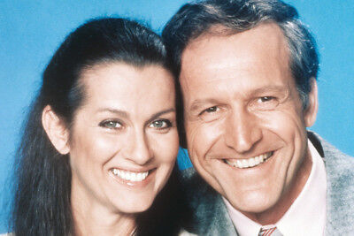 Hill Street Blues Veronica Hamel Daniel Travanti 24x36 Poster Print