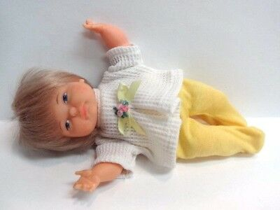 Ideal 1967 Newborn Thumbelina w/ Cute outfit-Pullstring Works GREAT