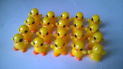 Ducks chicks standing x 20 CRAFTS / DOLLS HOUSE MINIATURES (F5301)