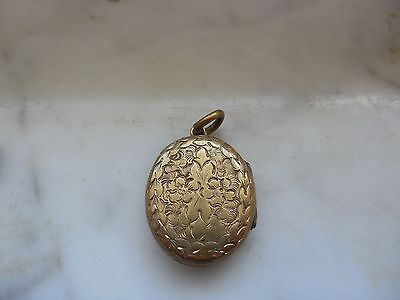 Antique Victorian Gold Etched Flowers W/ Original Man Woman Photo Locket