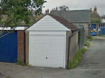 Garage/lock Up