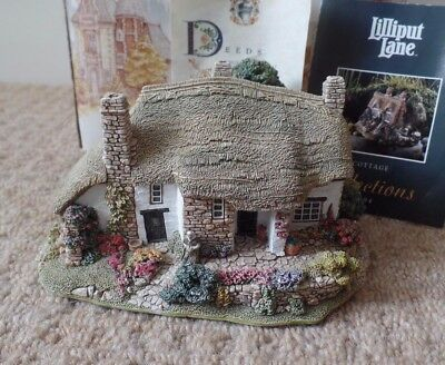 Lilliput Lane Cottage - Old Mother Hubbards - English Collection - Box & Deeds