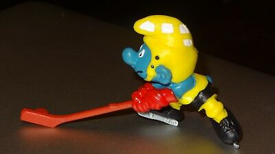 Smurfs Red Hockey Stick and Puck Smurf Vintage Classic Display Figure