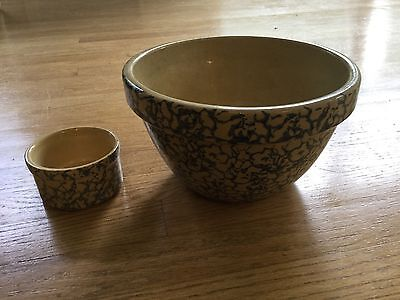 2 pieces of R.R.P. Robinson Ransbottom, Roselville spongeware pottery