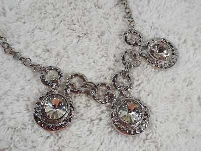 Hammered Silvertone Large Glass Rivoli Pendant Bib Necklace (D5)
