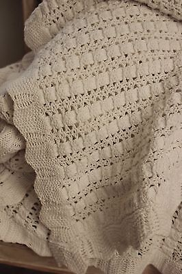 Vintage French hand-made coverlet crochet knit ? 90 X 125 white cotton
