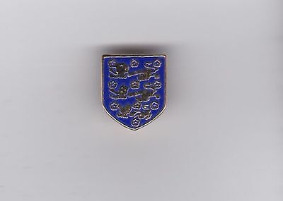 England  - lapel badge No.1