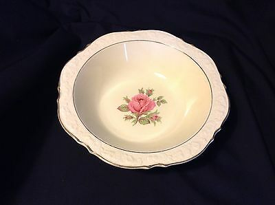 """Lovely CROWN DUCAL ROSES SERVING BOWL 8 1/4"""" ENGLAND Gently used"""