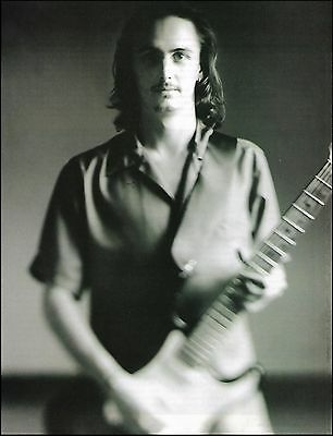 Pearl Jam Mike McCready playing Fender Stratocaster Guitar 8 x 11 pinup photo 2b