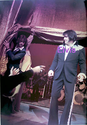 Elvis Presley Las Vegas March 1975 Original Vintage 5X7 Photo Candid #1