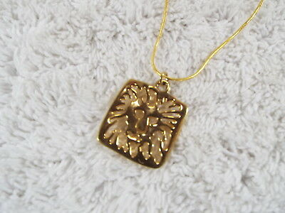 Goldtone Lion Face Pendant Necklace (C52)
