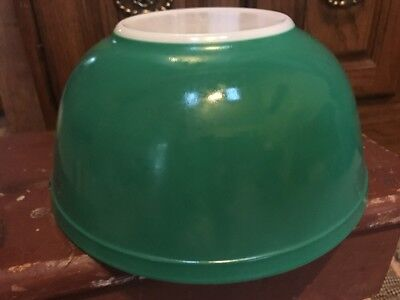 Vintage Pyrex Primary Green Mixing Bowl 2.5 Quart  #403 Nesting Oven Ware Retro